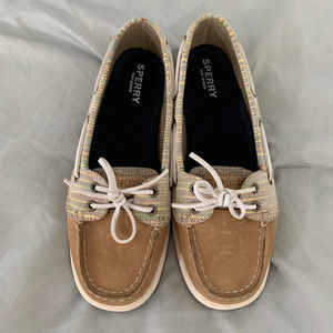 Woman's Sperry Top-Sider Shoe Size 7M